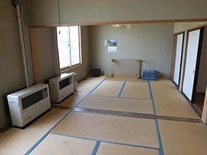 こちらは休養室となっております。   温泉に入った後に、ゆっくりくつろぎたい方はこちらをご利用ください。  また、こちらの部屋で宿泊もできます。